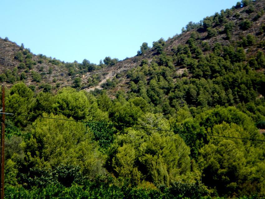 Mines de mercuri a l'esquerra de Solaig, on Andrónico tenia el lloc de comandament