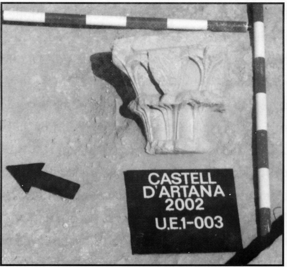 Fig. 17. Capitel con escudo de la familia Romea
