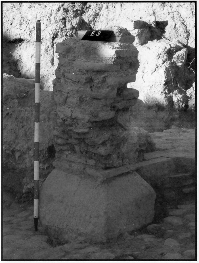 Fig. 21. Columna octogonal