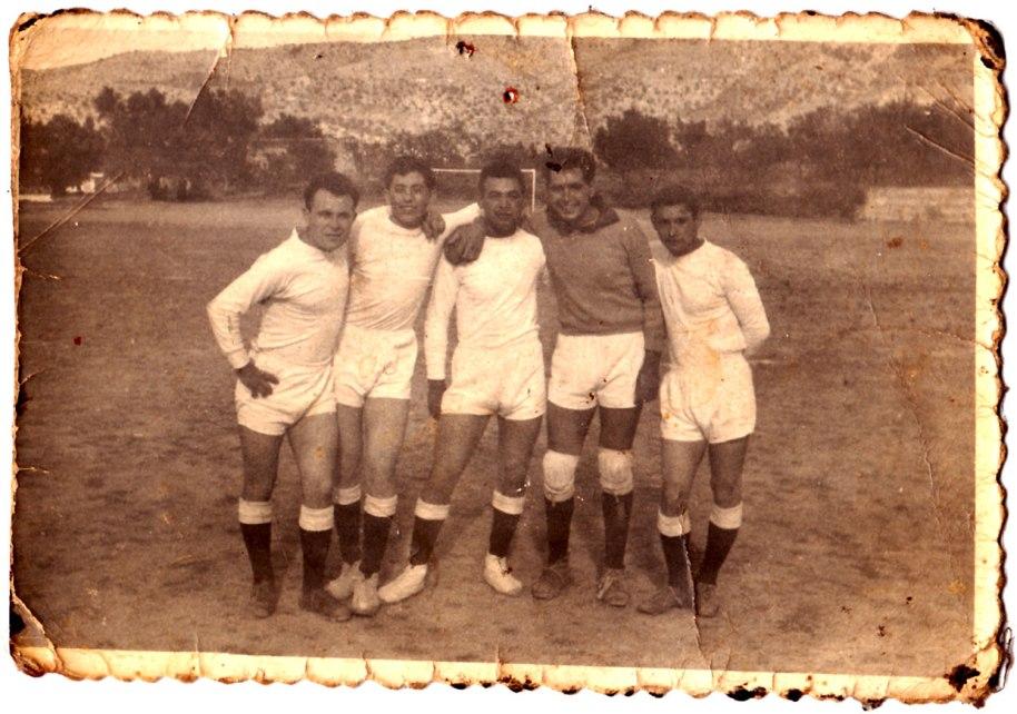 Com ja s'ha dit en altres ocasions, els campionats de futbol despertaven passions. Els esportistes són Miguel de Panchut, Vicente Vilara, Pepe Solo, Joaquín de Músic (de porter) i potser Juan José Bonet