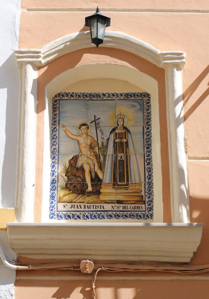 San Juan Bautista y la Virgen del Carmen. Panel cerámico, siglo XVIII-XIX