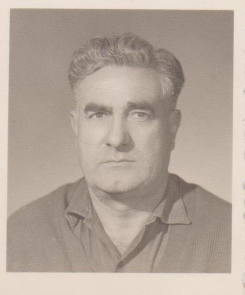 Antonio Cervantes Loman. Fill major i pare d'Alicia i Antonio, l'únic de la família que es va quedar a Artana