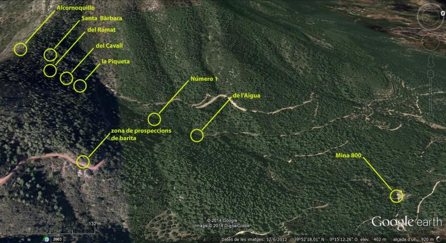 Ubicació de les boques de mina conegudes. Es pot apreciar la direcció de la veta de ferro, que fa que les boques estiguen pràcticament en línia recta