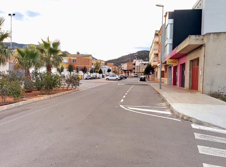 Plaça de la Generalitat junt a les escoles on hi havies 6 eres. Ubicació: 39.89, -0.255. Ara desaparegudes per l'urbanització de la zona.