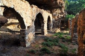 Dos instantànies de la Cova de Xautena. Fotos de Gustavo Montoliu